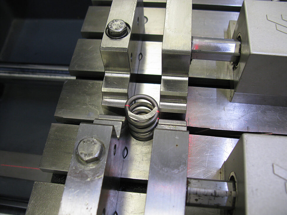 Clamping on both sides small spring