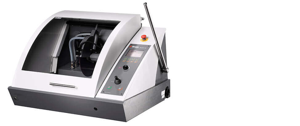 Discotom-100 automatic cutoff machine with variable spindle speed