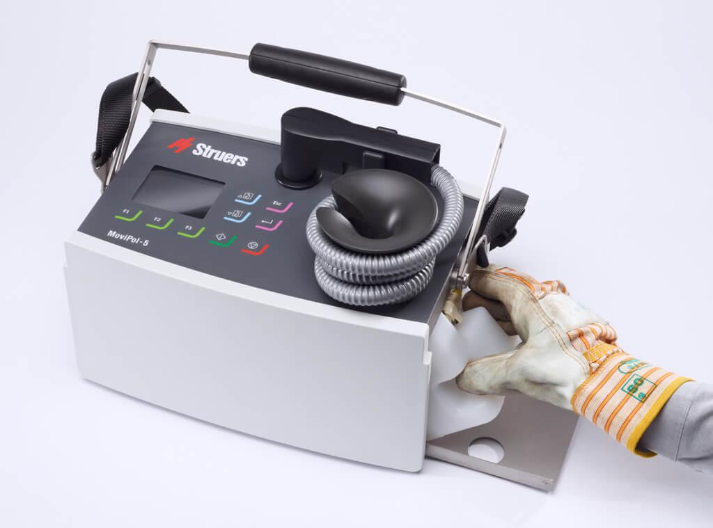 MoviPol: sistema de recipientes electrolíticos