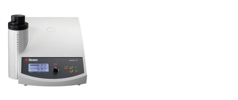 CitoPress-15 ist eine hochmoderne, elektrohydraulische programmierbare Einbettpresse mit einem Einbettzylinder.